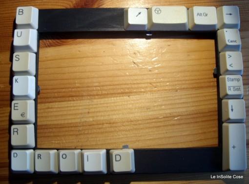 cornice fatta con la tastiera su commissione - www.leinsolitecose.com