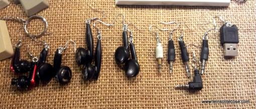 riciclo creativo - orecchini con auricolari, jack e cuffiette - www.leinsolitecose.com 2014