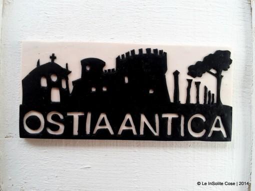 Ostia Antica Magnete Skyline – Nero su Bianco – 2014