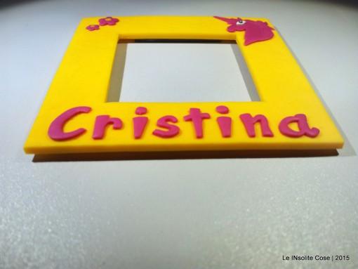 Calamita portafoto artigianale personalizzata con nome e unicorno