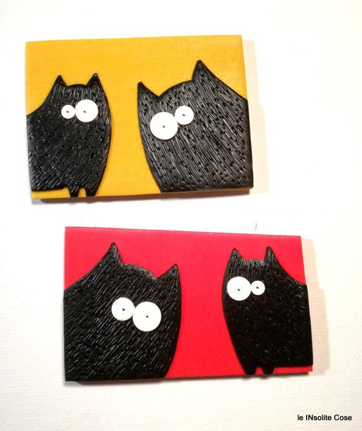 calamite gatti neri in primo piano